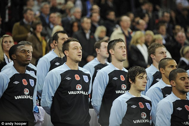 england-footballers-wearing-the-poppy